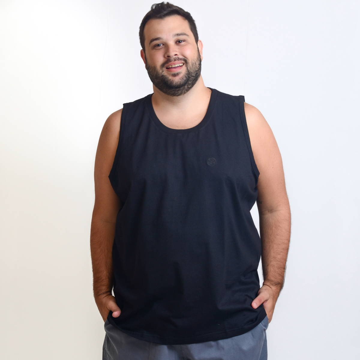 Regata Plus Size Masculina Lisa Bordada