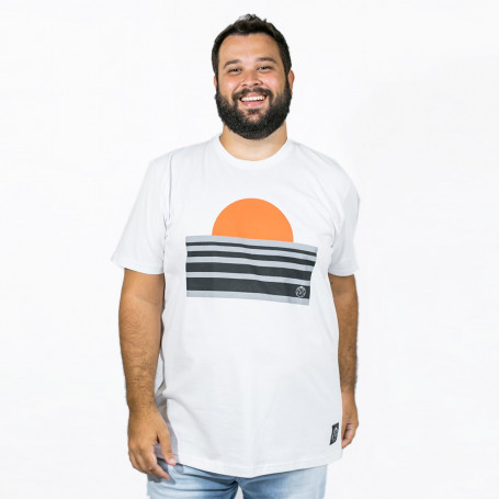 Camiseta Plus Size Masculino Por do Sol Branca