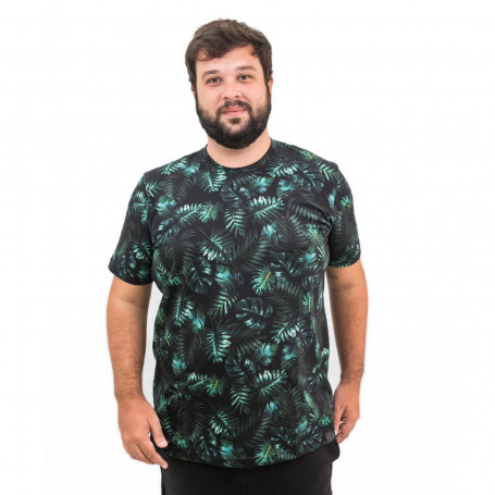 Camiseta Plus Size Masculina Black Forest
