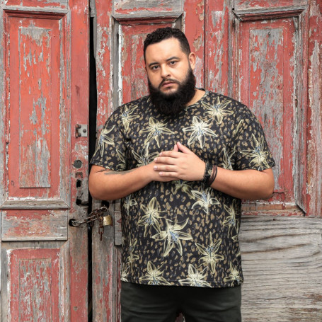 Camiseta Plus Size Masculina Golden Flower